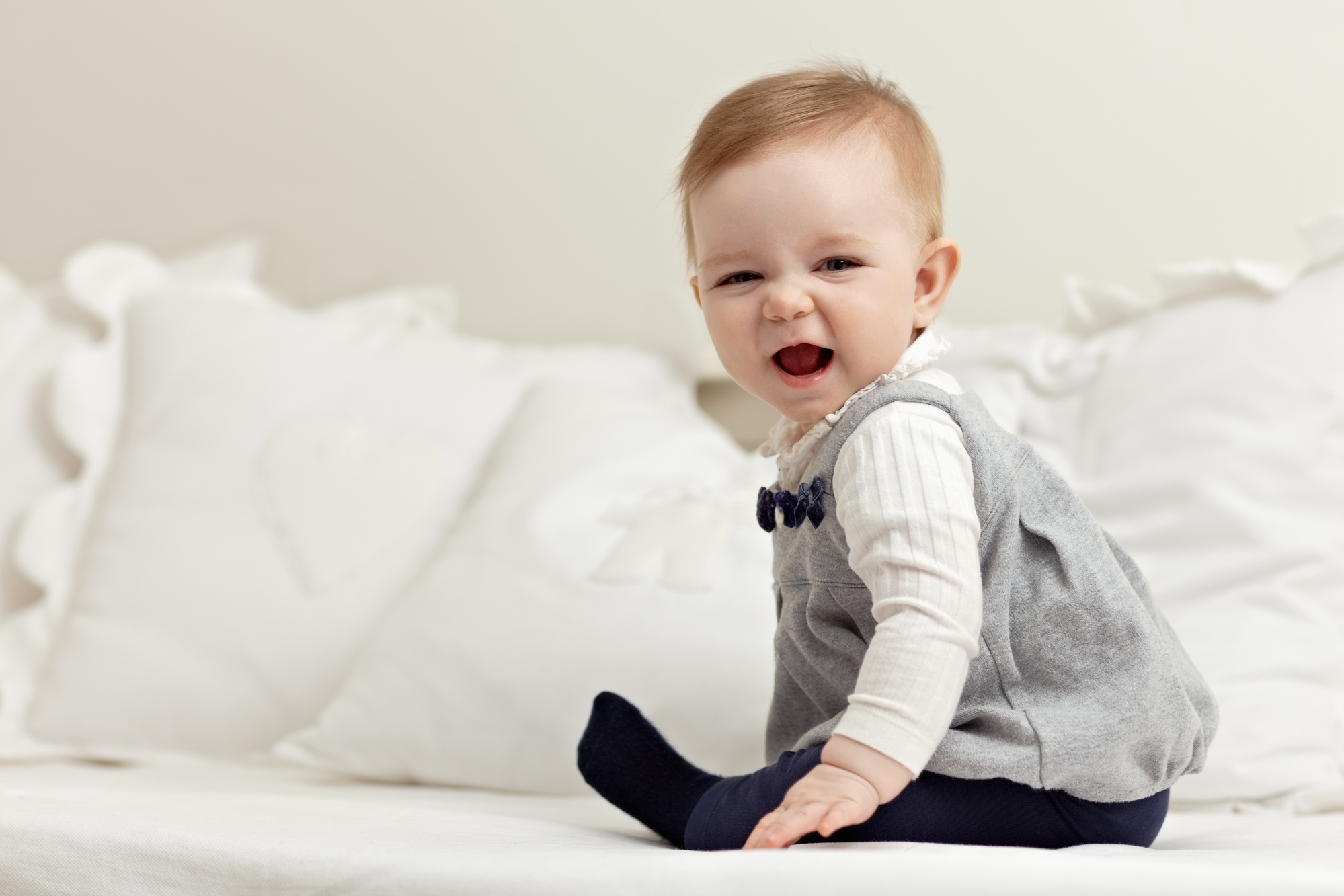 Kan je baby zitten? Zo kan je hem helpen het te versnellen